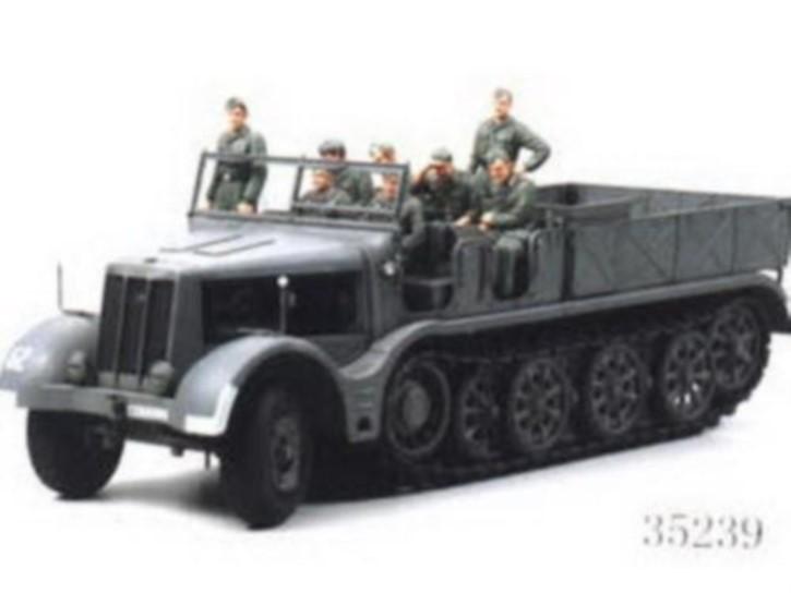 FAMO-Zugmaschine 18 to