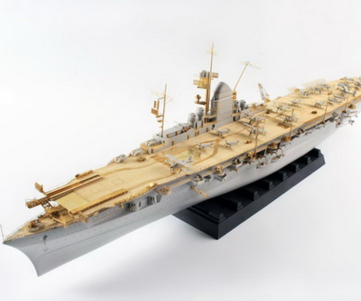 Zubehör-Komplett-Set mit Holzdeck für DKM Graf Zeppelin (TRU)  DX-Pack