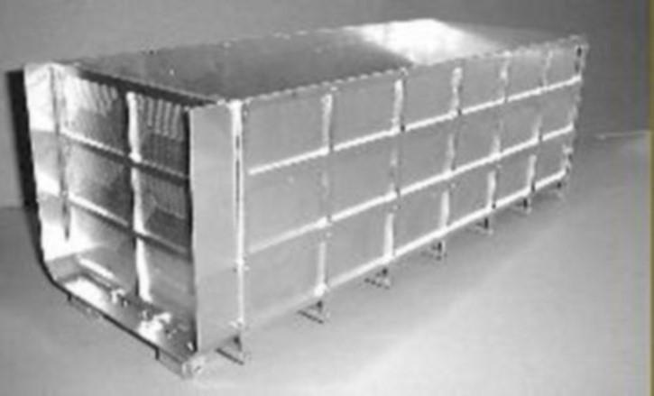 Hoher Container-Bausatz zu Abrollaufbau