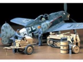 Luftwaffen Kettenkrad mit Anlassanhänger