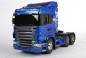 Scania 620 Highline 6x4, blau lackiert