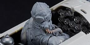 sitzende Pilotenfigur für Shinden, Resin