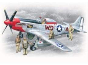 Mustang P-51 D mit Piloten und Personal