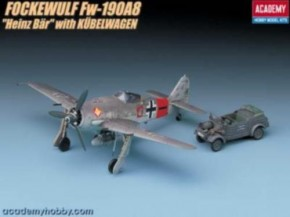 Focke Wulf FW190A Heinz Bär mit Kübelwagen (1249)