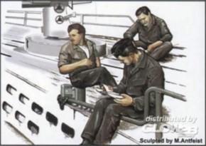 U-VII Mannschaft in der Pause-2, 3 Resin-Figuren
